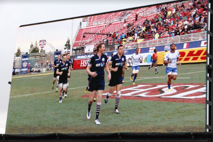 Large Mobile LED screen for sports events